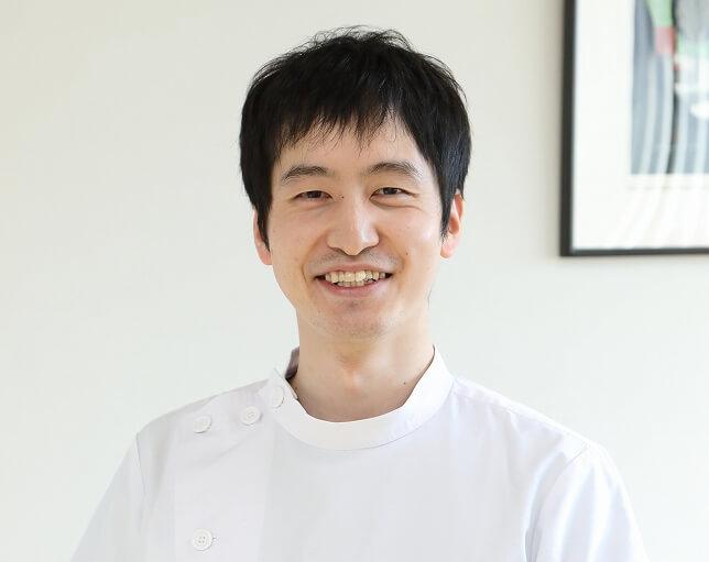 副院長 岡本 紀夫